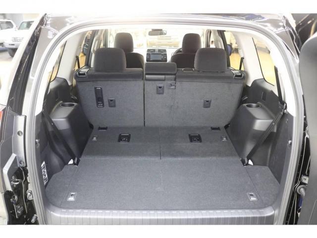 トヨタ ランドクルーザープラド 2.8 TX ディーゼルターボ 4WD 新車未登録 7人乗り