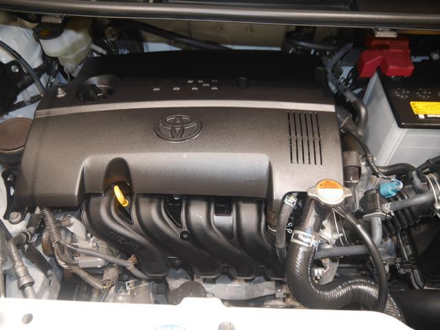 トヨタ スペイド F クイーン 4WD
