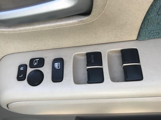 E FOUR・4WD・メモリーナビ・ワンセグ・スマートキー(17枚目)