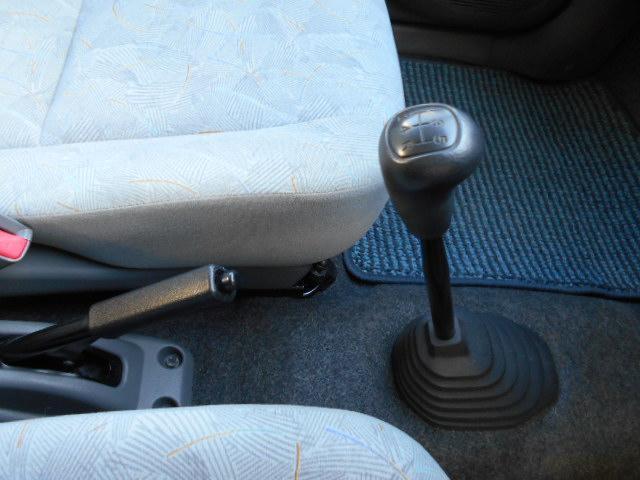 ライラ 4WD 5MT(12枚目)