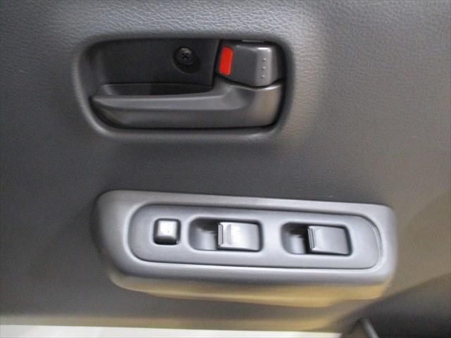 GX 4WD 届出済未使用車 踏み間違い衝突防止アシスト ABS 低速衝突軽減ブレーキ マニュアル車(8枚目)