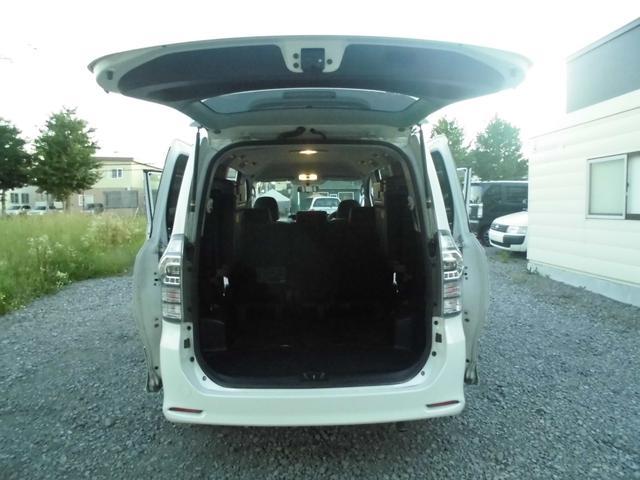 「トヨタ」「ヴォクシー」「ミニバン・ワンボックス」「北海道」の中古車32
