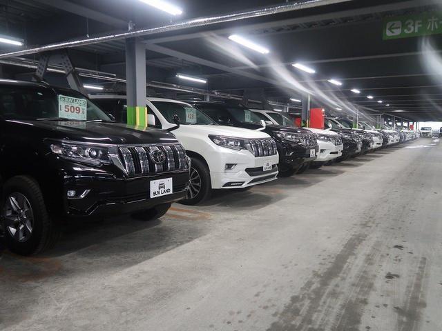SUV&ミニバン&スバル車を中古から登録済未使用車まで幅広くご用意しております。