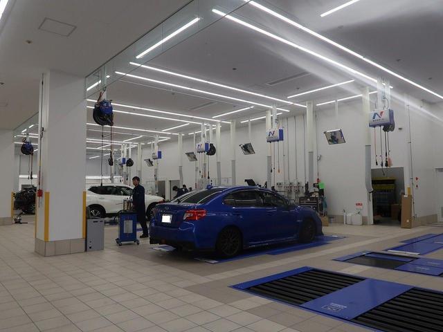 大型の整備工場をご用意しております。取付や車検等幅広いご用命にご対応可能です♪