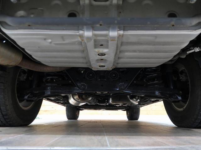 ロング GR 禁煙車 5MT車 4WD SDナビ バックカメラ HIDヘッドライト オートエアコン リアフォグ ETC 純正アルミホイール オートライト(12枚目)