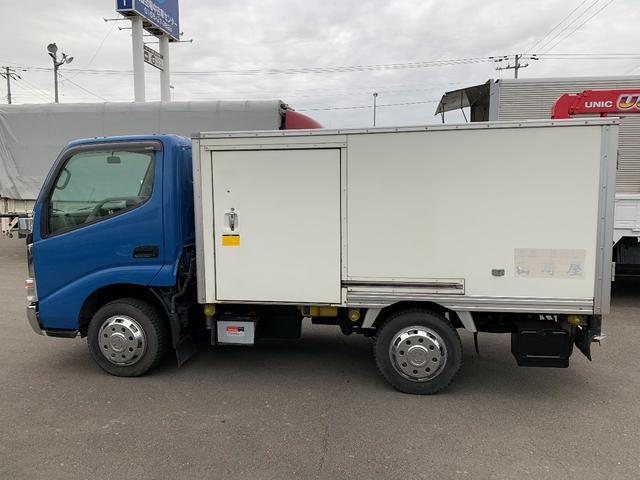 積載1000Kg 4WD 保冷バン(3枚目)