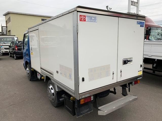 積載1000Kg 4WD 保冷バン(4枚目)
