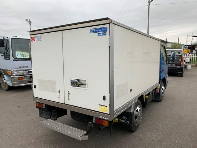 積載1000Kg 4WD 保冷バン(5枚目)