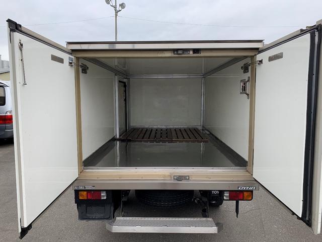 積載1000Kg 4WD 保冷バン(6枚目)