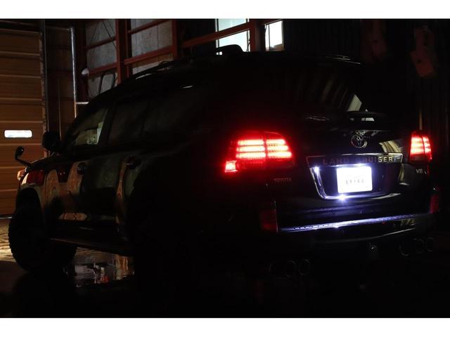 AX4WDxリフトアップxマッドタイヤxガナドールマフラー セキュリティ HDDナビ CD DVD バックカメラ ブルートゥース ミュージックサーバー ETC スマートキー ソナー フルセグTV シートヒーター ヒッチメンバー 社外LEDテール ルームLED(4枚目)