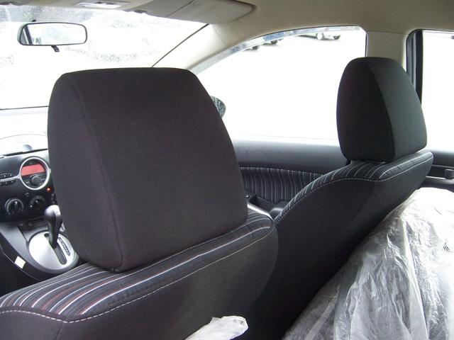 マツダ デミオ 13C 4WD 6ヶ月走行無制限保証付