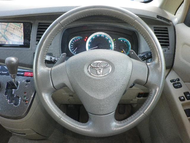 トヨタ アイシス プラタナリミテッド4WD パワスラ HDDナビ 寒冷地仕様
