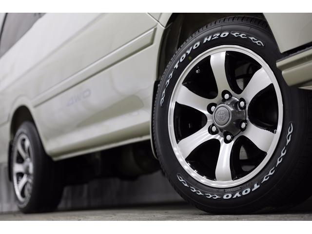 トヨタ ハイエースワゴン リビングサルーンEX HDDナビ地デジ 新品17AW 4WD