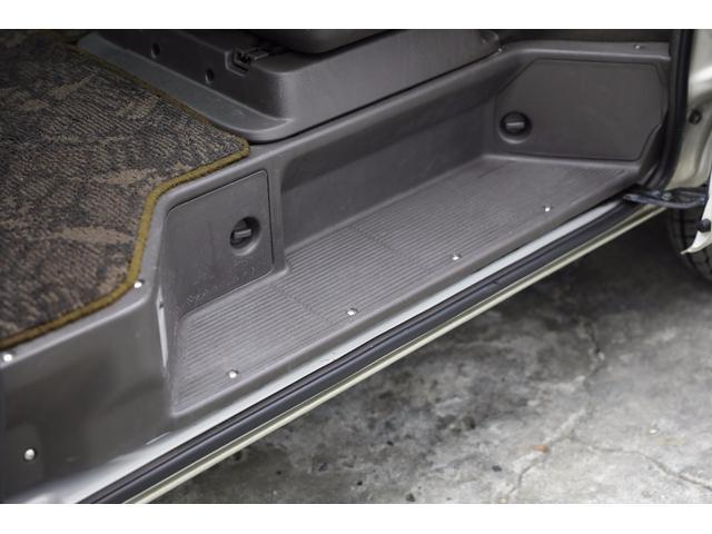 トヨタ ハイエースワゴン SカスタムLTD 新品17AW HDDナビ地デジETC4WD