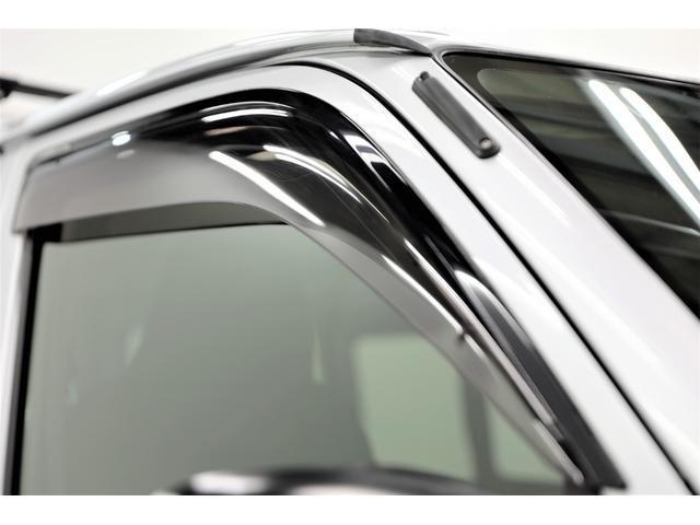 ロングDX GLパッケージ 両側スライドドア・リアヒーター・インナーブラックLEDヘッドライト・フォグランプ白/黄発光LED・ディーラーOPルーフキャリア&リアラダー・フルセグナビ・バックカメラ・荷台防汚カバー/ブラックトリム(28枚目)