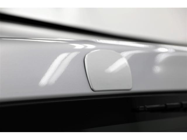 ロングDX GLパッケージ 両側スライドドア・リアヒーター・インナーブラックLEDヘッドライト・フォグランプ白/黄発光LED・ディーラーOPルーフキャリア&リアラダー・フルセグナビ・バックカメラ・荷台防汚カバー/ブラックトリム(33枚目)