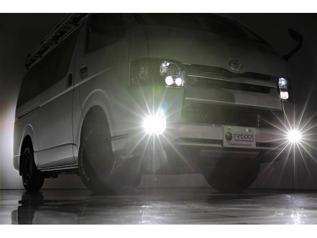 ロングDX GLパッケージ 両側スライドドア・リアヒーター・インナーブラックLEDヘッドライト・フォグランプ白/黄発光LED・ディーラーOPルーフキャリア&リアラダー・フルセグナビ・バックカメラ・荷台防汚カバー/ブラックトリム(42枚目)