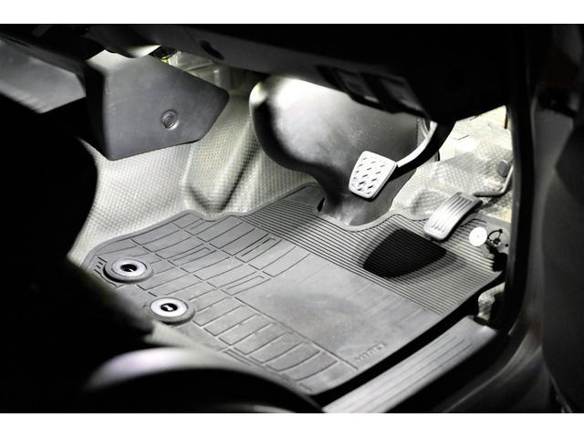 ロングDX GLパッケージ 両側スライドドア・リアヒーター・インナーブラックLEDヘッドライト・フォグランプ白/黄発光LED・ディーラーOPルーフキャリア&リアラダー・フルセグナビ・バックカメラ・荷台防汚カバー/ブラックトリム(47枚目)