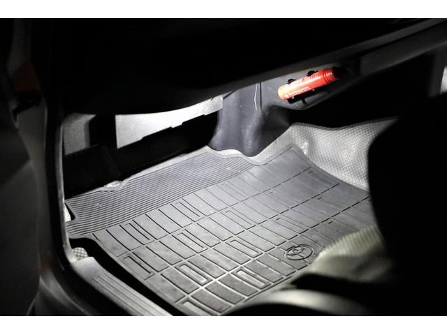 ロングDX GLパッケージ 両側スライドドア・リアヒーター・インナーブラックLEDヘッドライト・フォグランプ白/黄発光LED・ディーラーOPルーフキャリア&リアラダー・フルセグナビ・バックカメラ・荷台防汚カバー/ブラックトリム(48枚目)