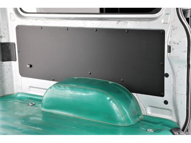 ロングDX GLパッケージ 両側スライドドア・リアヒーター・インナーブラックLEDヘッドライト・フォグランプ白/黄発光LED・ディーラーOPルーフキャリア&リアラダー・フルセグナビ・バックカメラ・荷台防汚カバー/ブラックトリム(63枚目)