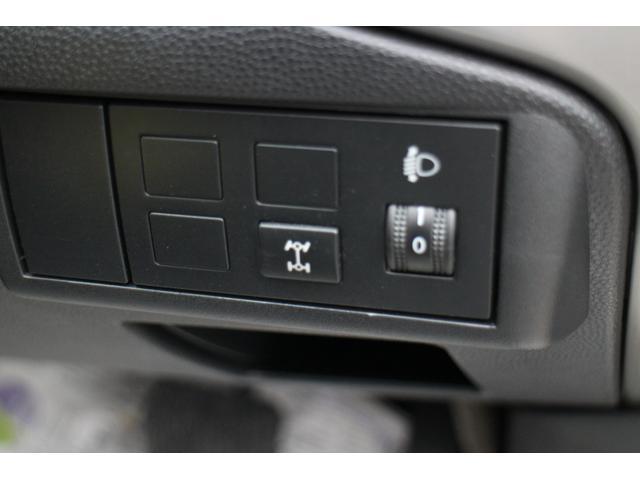 13Cドライビングコンフォートパッケージ4WD(13枚目)