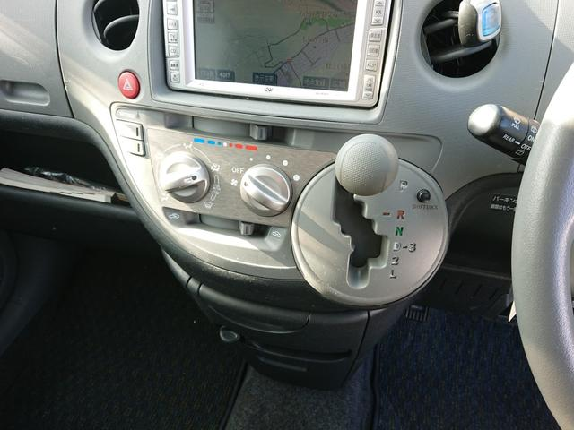 X 4WD DVDナビ ETC 定員7(11枚目)