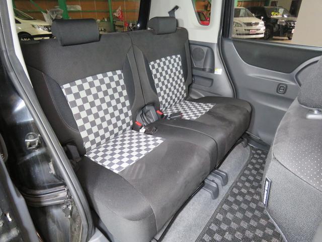 ブラック&ホワイト 4WD 両側パワースライド 社外ナビ(17枚目)
