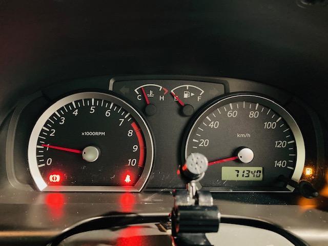 クロスアドベンチャー 4WD リフトアップ 社外マフラー 社外AW マッドタイヤ 社外バンパー 社外ナビ フルセグTV キーレス シートヒーター 新車保証書 取扱説明書(13枚目)