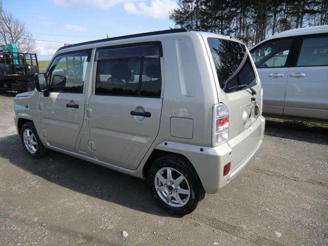 4WD 新規車検整備付・ナビ・Bカメラ・地デジ・社外アルミ・(5枚目)