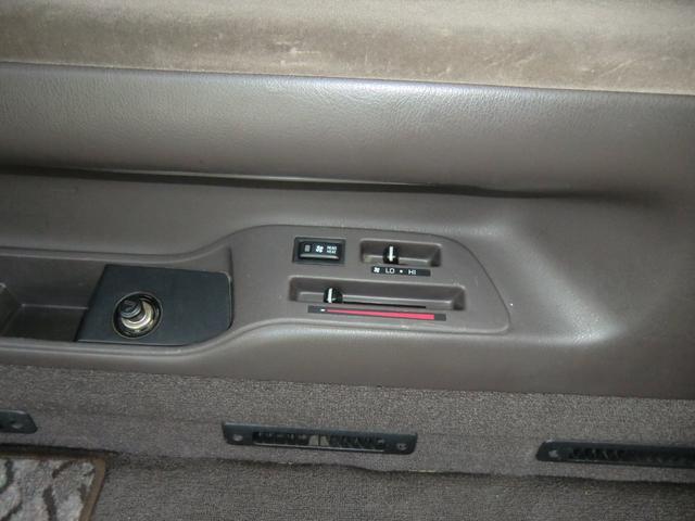 デーゼルターボ 4WD・4ナンバー登録・2人乗り(13枚目)