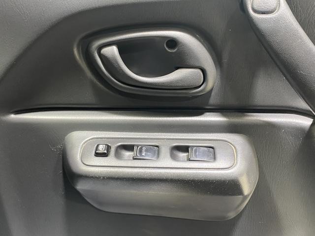 ワイルドウインド オーディオ CD AUX 新品ホイール マッドタイヤ リフトアップ LEDテール 運転席シートヒーター HIDヘッドライト ETC 電動格納ミラー レベライザー トランスファスイッチ(24枚目)