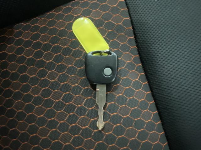 ワイルドウインド オーディオ CD AUX 新品ホイール マッドタイヤ リフトアップ LEDテール 運転席シートヒーター HIDヘッドライト ETC 電動格納ミラー レベライザー トランスファスイッチ(29枚目)