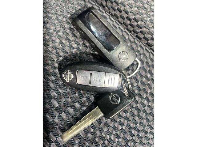 15M FOUR 禁煙車 4WD 純正SDナビ フルセグTV CD DVD Bluetooth 2駆4駆切替スイッチ 電動格納ミラー スマートキー 純正エンジンスターター 純正15インチアルミホイール シートリフター(18枚目)