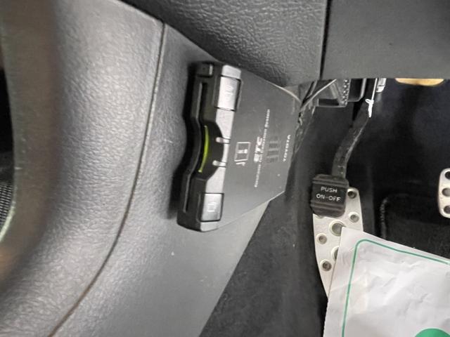 2.5i-S 禁煙車 4WD 社外メモリーナビ フルセグTV Bluetooth CD DVD バックカメラ ETC HIDヘッドライト クルコン フリップダウンモニター スマートキー 純正18インチアルミホイール(28枚目)