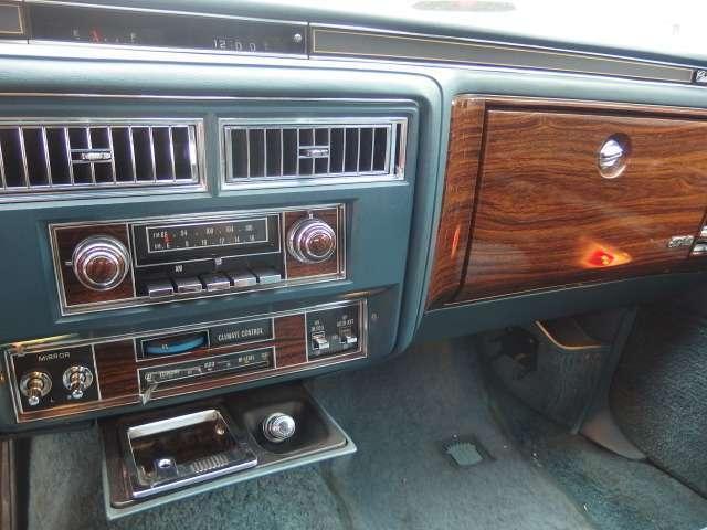「キャデラック」「キャデラック フリートウッド」「セダン」「北海道」の中古車17