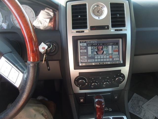 クライスラー クライスラー 300C 5.7HEMI 革シート HDD 地デジ 22インチアルミ