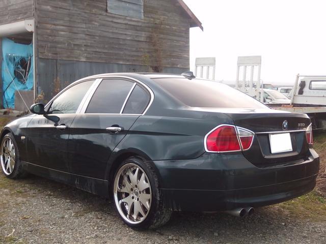 BMW BMW 330i サンルーフ 革シート