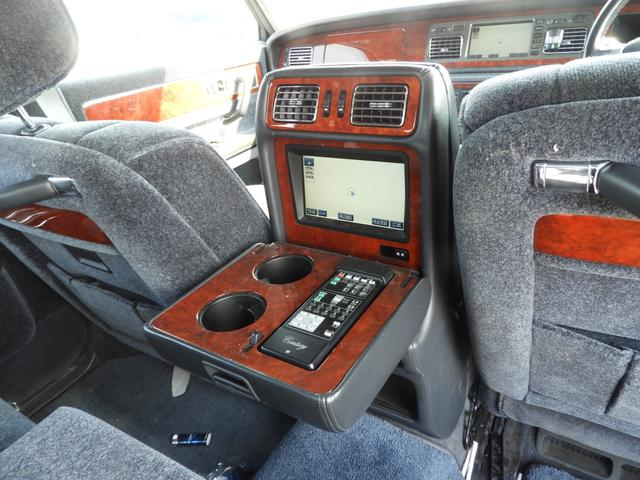 トヨタ センチュリー 標準仕様車 デュアルEMVパッケージ