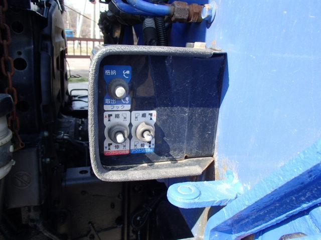 4段クレーン ラジコン付き 4WD(17枚目)