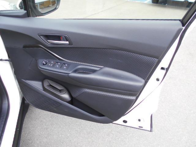 S-T 4WD フルセグ メモリーナビ DVD再生 ミュージックプレイヤー接続可 バックカメラ 衝突被害軽減システム ETC ワンオーナー 記録簿(8枚目)