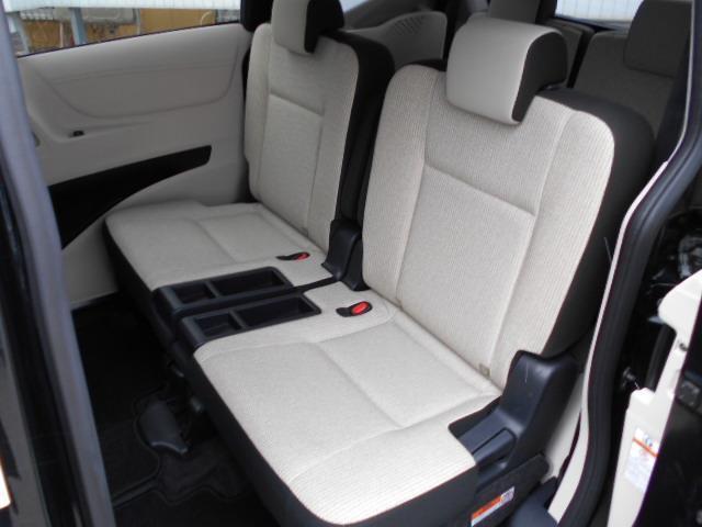 X 4WD メモリーナビ バックカメラ 電動スライドドア 乗車定員6人 3列シート(4枚目)