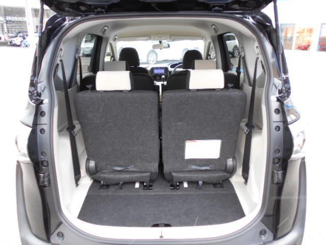 X 4WD メモリーナビ バックカメラ 電動スライドドア 乗車定員6人 3列シート(7枚目)