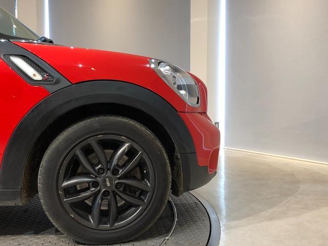 クーパーS クロスオーバー オール4 4WD 社外ナビ 地デジTV バックカメラ ボンネット・ルーフ・リアハッチストライプ 新品ドアミラーカバー ロゴ入りカーテシライト 純正17インチAW クルーズコントロール HIDヘッドライト(6枚目)