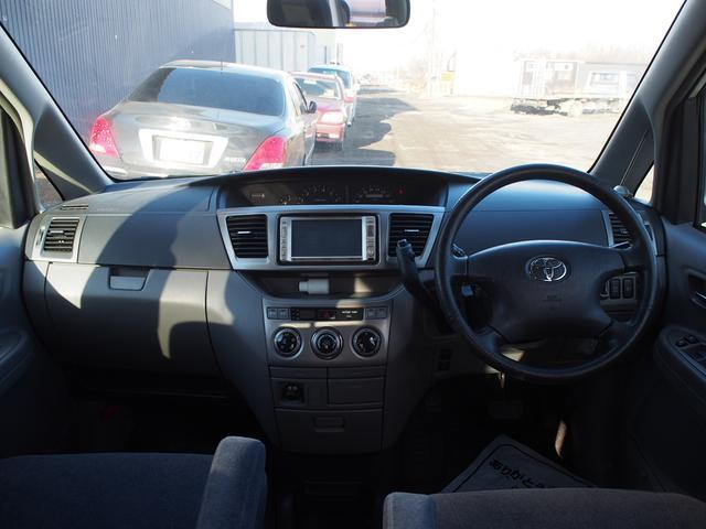 トヨタ ヴォクシー Xリミテッド 4WD パワスラ