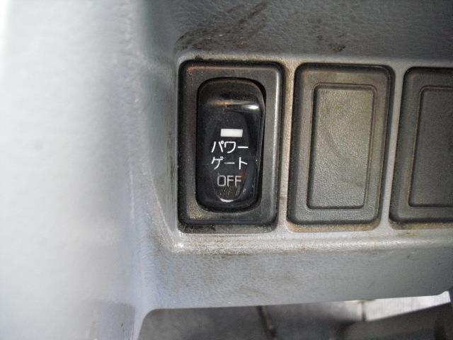 Wキャブロング全低床DX ディーゼルT 4WD Wタイヤ(6枚目)