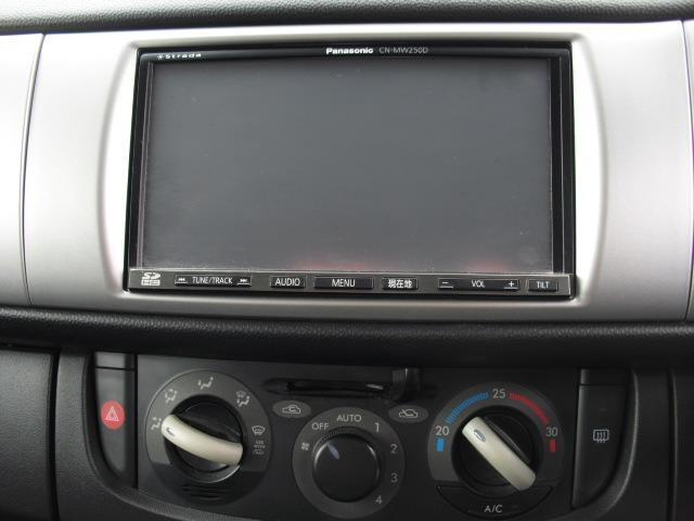 L ブラックインテリアセレクション4WD HDDナビ HID(8枚目)