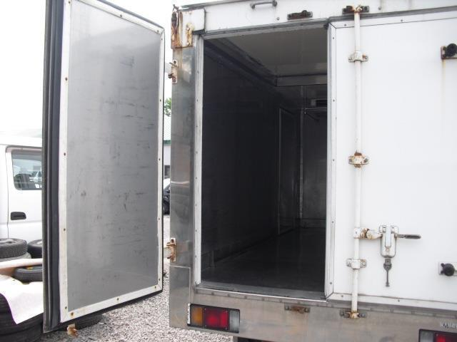 4WD 冷蔵冷凍車 2t積(5枚目)