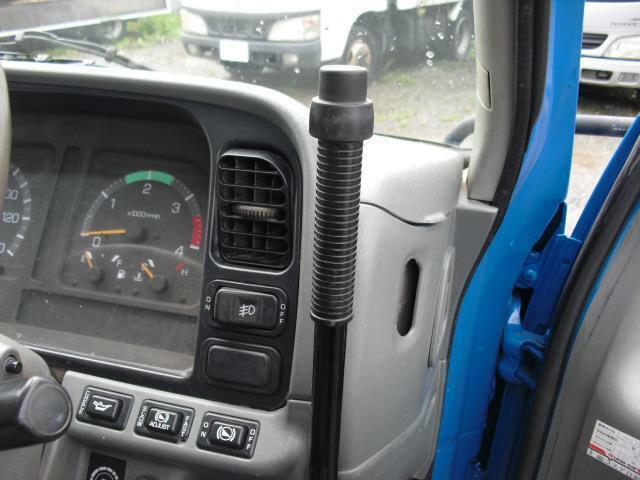 ダンプ 5.2D 2t積ダンプ 低床仕様 4WD(13枚目)