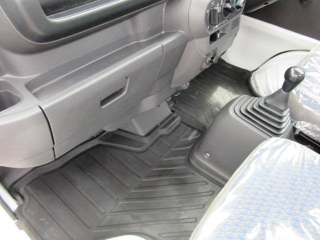 SDX・4WD・エアバッグ・AM/FMチューナー(17枚目)