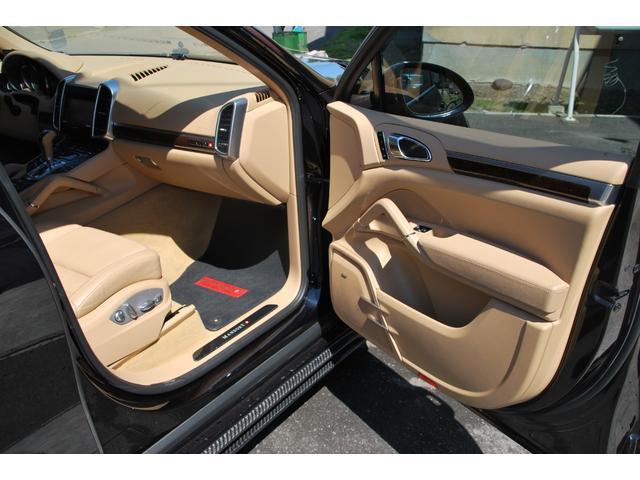 S 4WD フルマンソリー レザーPシート Bカメラ(18枚目)